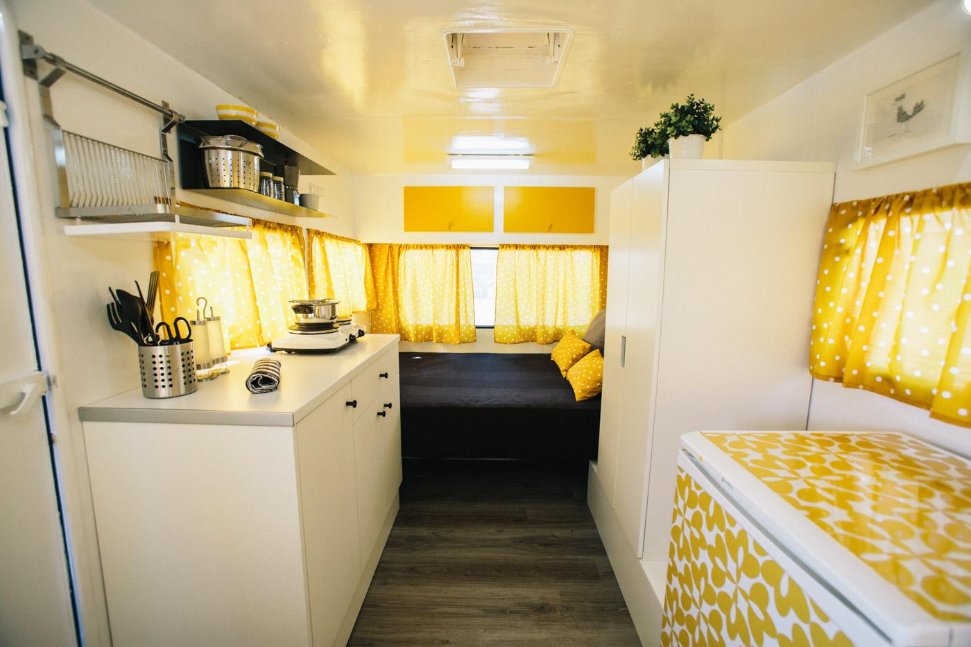 Camping miramar - Interior caravana ...