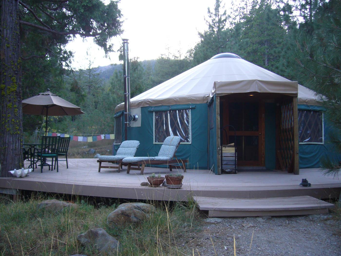 Creekside Yurt At Mount Shasta In California United