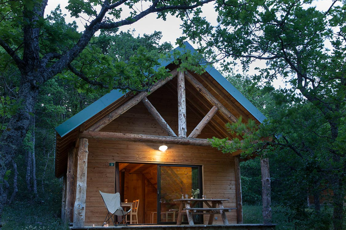 Huttopia white mountains in new hampshire united states for Cabin camping new hampshire