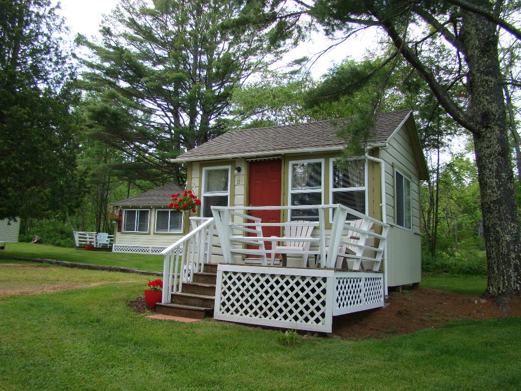 bay leaf cottages in maine  united states glamping com